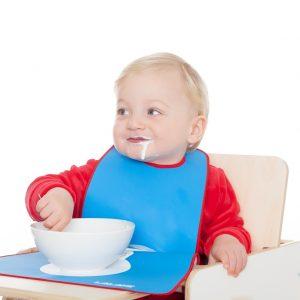 Kinderlätzchen blau Einsatz mit hochstuhl