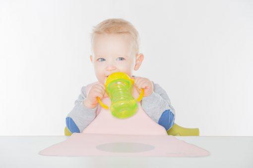 Lätzchen von LaLatz in rosa mit grau, kinderlätzchen